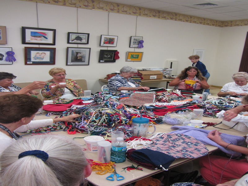 sewing-room-christmas-sto